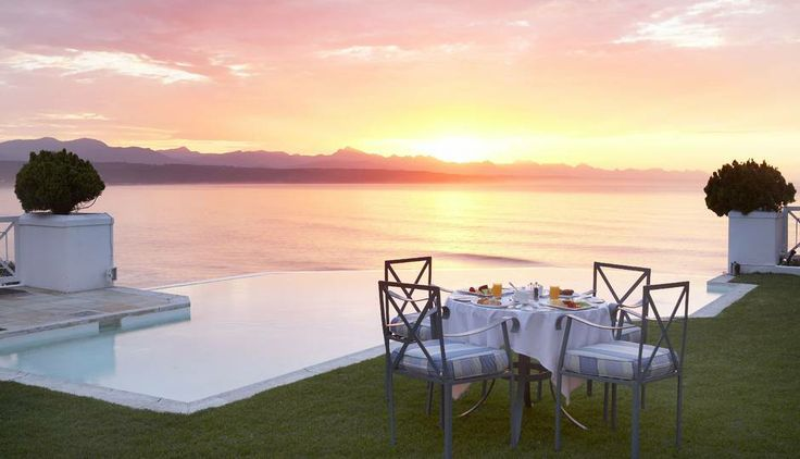 Enjoy all this beauty in Plettenberg Bay with us at African Outposts. Choose your Cape Town tour in this link: http://www.africanoutposts.co.za/packages/cape-town/