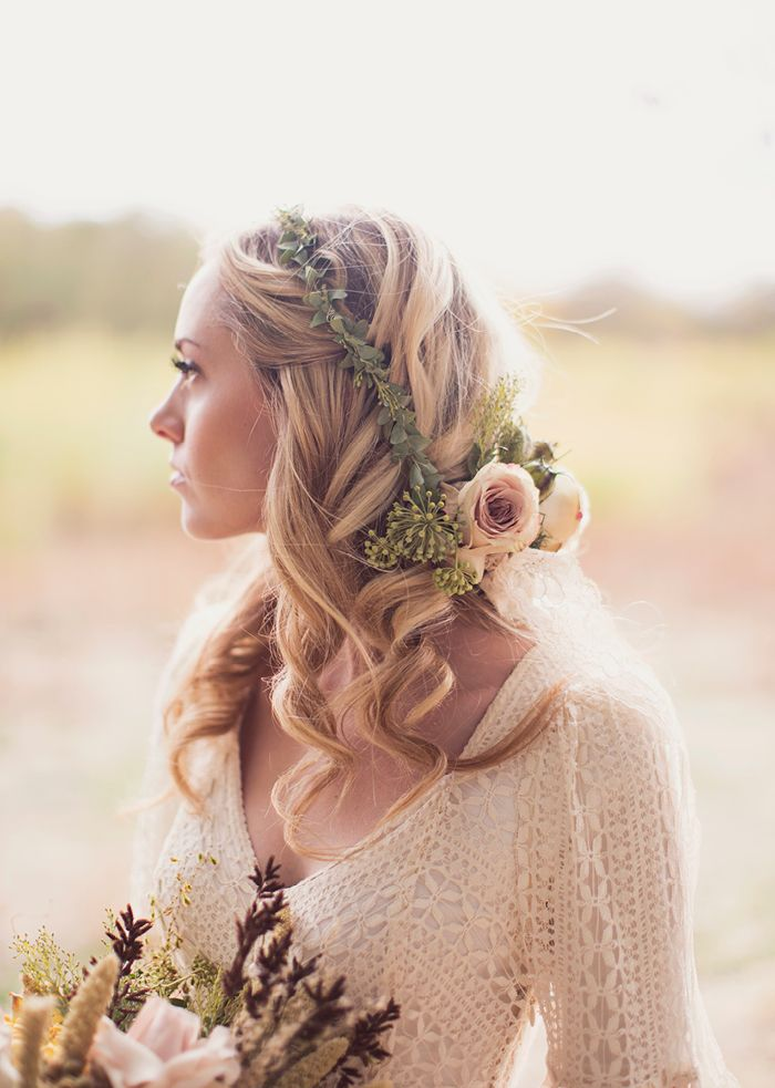 Trailing flower crown. In actual love!!