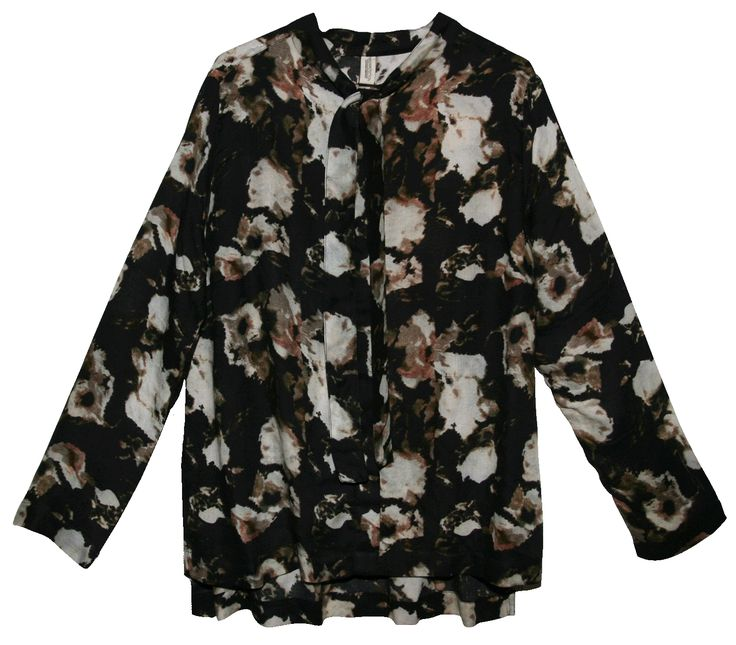 Shirt bow collar detail in an abstract floral print, made in a lyocel crepe quality.