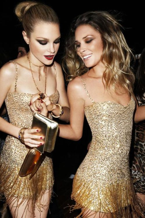 fashionandbones:  Jessica Stam & Erin Wasson for H&M by Terry Richardson