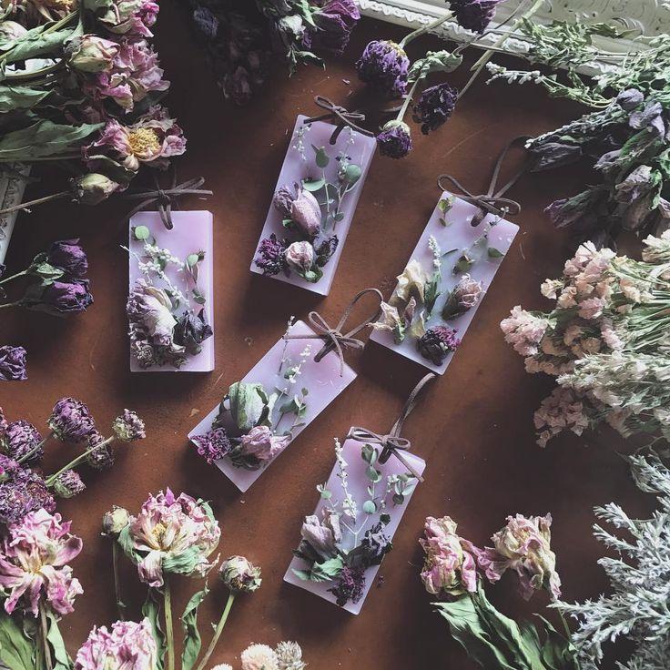 いいね!1,512件、コメント8件 ― 畑野ひろ子 モデル/フラワーライフスタイルプロデューサーさん(@hiroko_hatano_)のInstagramアカウント: 「will Garden第2弾サシェ。 2月11日から販売開始します。 今回は3種類。 #willgarden #flowers #dryflower #candle #サシェ #life…」