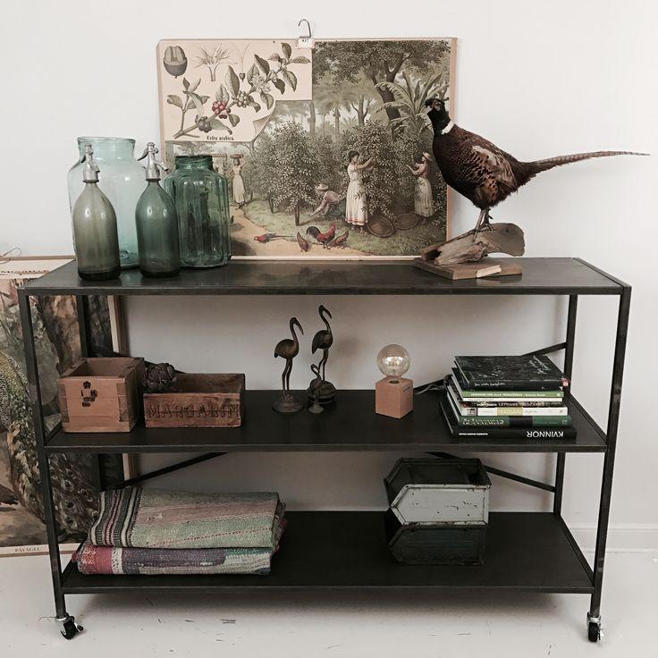 Industrihylla - köp unika möbler - fri frakt - Hippo and the Bird