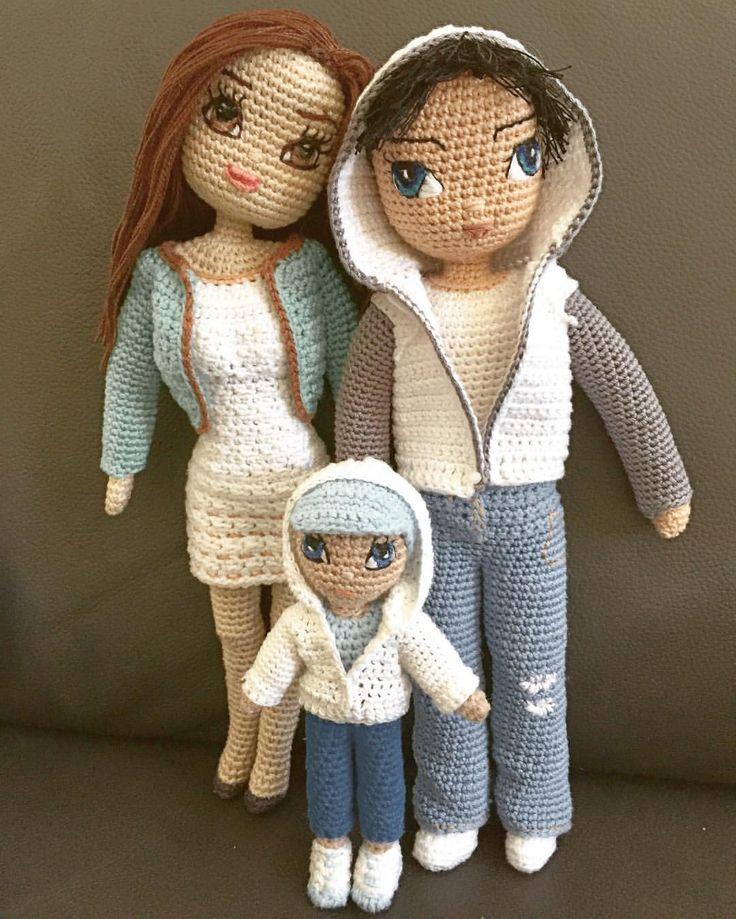 Little Family  #crochet #handmade #customdoll #crochetdoll #crochetboy #crochetfamily #crochetersofinstagram #dollclothes #amigurumi #amigurumidoll #amigurumis #amigurumis #amigurumitoy #amigurumifamily crocheted #crochetdollclothes #crocheting #crocheted #handmadedoll
