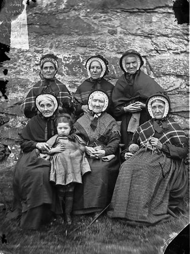 Knitting: A group of women from Ysbyty Ifan almshouses by LlGC ~ NLW, via Flickr