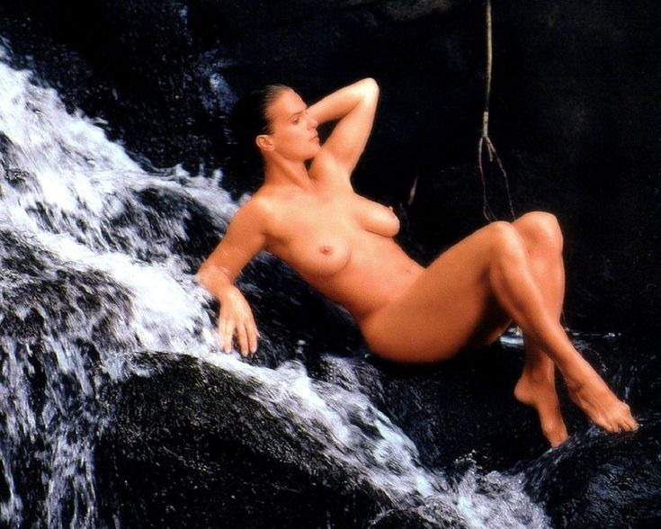 indian jungle women bathing nude