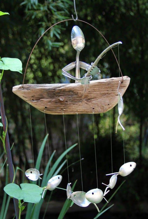 Windgong van drijfhout en oud bestek