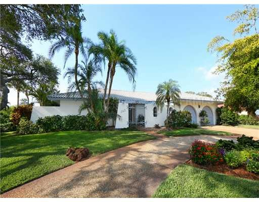 Beautiful Homes For Sale Waterfront Properties Luxury