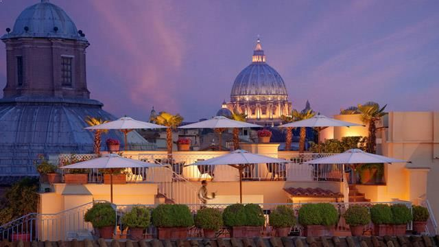 Rooftop bar Hotel Raphael in Rome