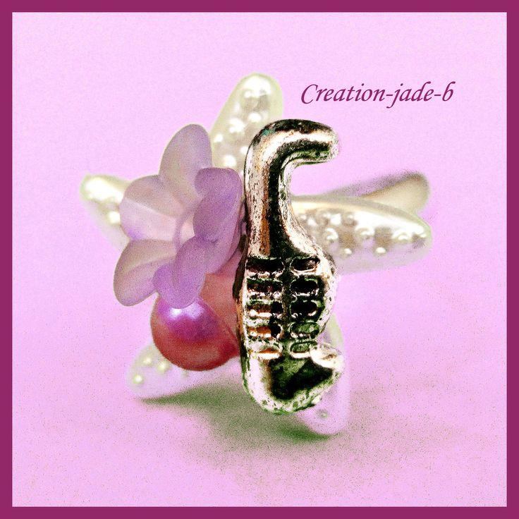 Bague Ajustable - Cabochon Etoile de mer avec Fleur Violette