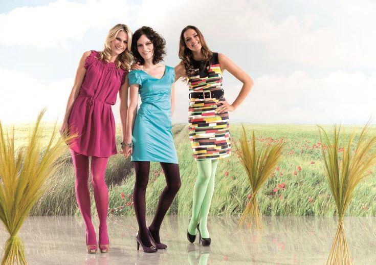Gekleurde, transparante panty's tegen vermoeide benen