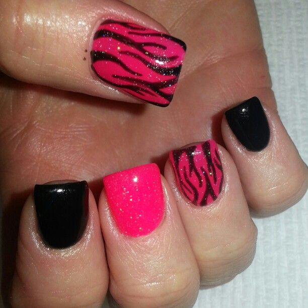 Acrylic nails with black and hot pink shellac and zebra print. Instagram: @boop7111