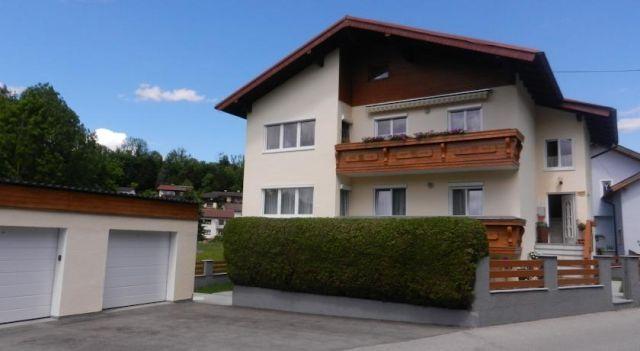 Apartment Hüttner - #Apartments - $63 - #Hotels #Austria #Gmunden http://www.justigo.com/hotels/austria/gmunden/apartment-huttner_51341.html