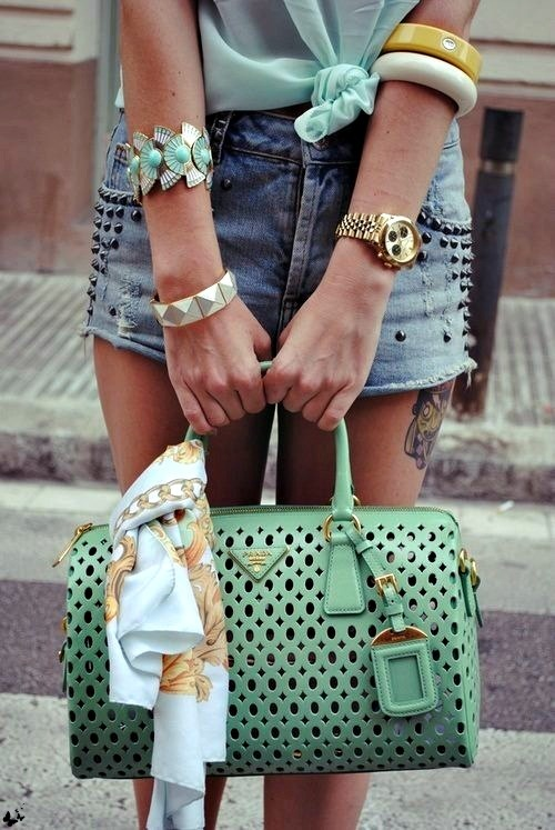 Love the mint  accessories!