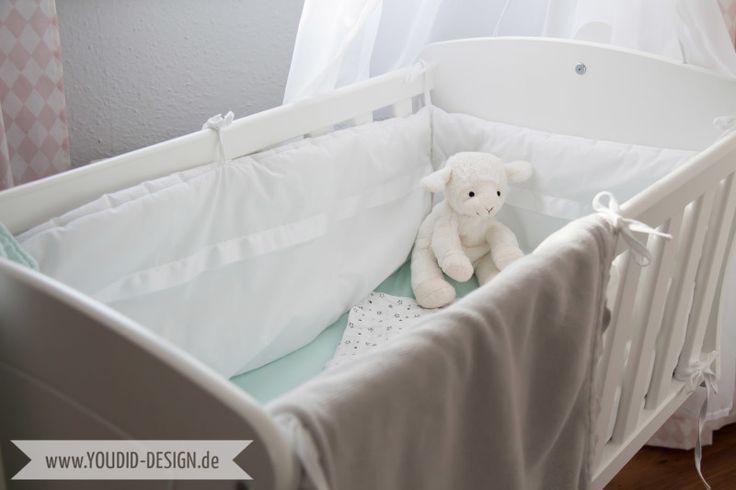 Inspiration for a scandinavian nursery Inspirationen für ein skandinavisches Kinderzimmer in mint blush Alvi Wiege | www.youdid-design.de
