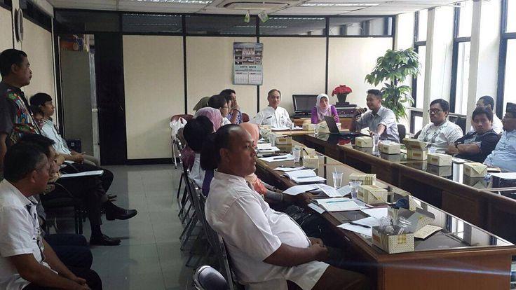 Pengarahan penggunaan e-POS kepada petugas UPPD dan Sudin diwilayah Kota Adm. Jakarta Timur oleh Kepala Sudin Pajak Jakarta Timur, Bapak Syaukat