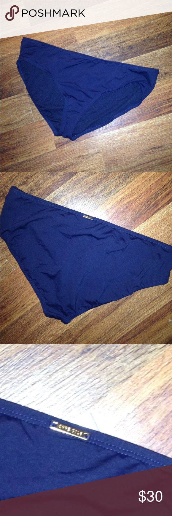 NWOT Ann Cole Navy Blue Bikini Bottoms NWOT NEVER WORN Ann Cole Navy Blue Bikini Bottoms. Classic and timeless! True to size! Anne Cole Swim Bikinis