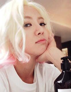 Check out the pretty selfies from SNSD's HyoYeon