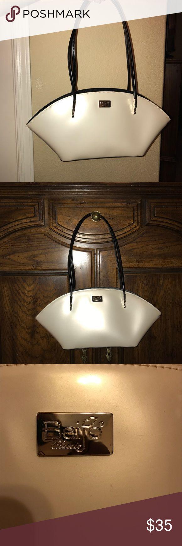 Beijo Bag Cream colored Beijo handbag. Never been used! beijo Bags Shoulder Bags