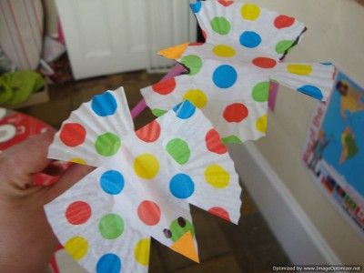 Preschool Summer Craft Projects | Adorable birds made from cupcake liners! Pick different colors and ...