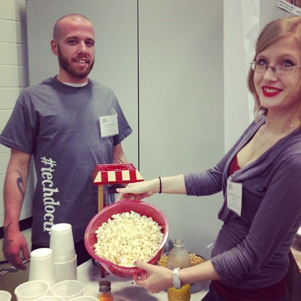 Nos responsables café/pop-corn de la journée #portesouvertes2013 ! #cegeptr #troisrivieres #techdoctr