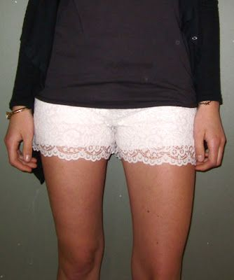 Prudence and Austere: A Little Bit Of Lace Part 2  Short diy: Sewing Projects, Sewing Woman Clothing, Diy Tutorials, Diy Clothing, Clothing Creations, Sewing Smart, Clothing Inspiration, Diy Summer Clothing For Woman, Diy Lace Shorts Tutorials