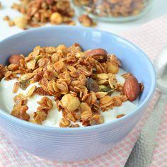 Een simpel en snel recept voor de liefhebber van muesli, cruesli en granola. Deze granola maak je precies zoals jij het lekker vindt! Dit is het basisrecept