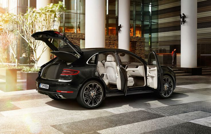 Compact and concentrated, but no room for compromise. The luggage compartment of the new #PorscheMacan.