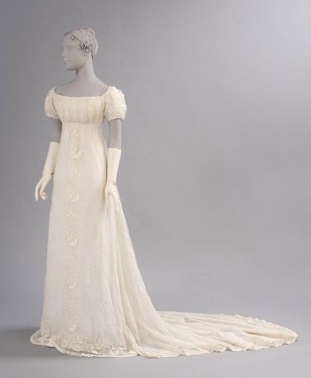 Muslin dress, c. 1800 - perfect for a Jane Austen 19th Century Regency Georgian wedding.
