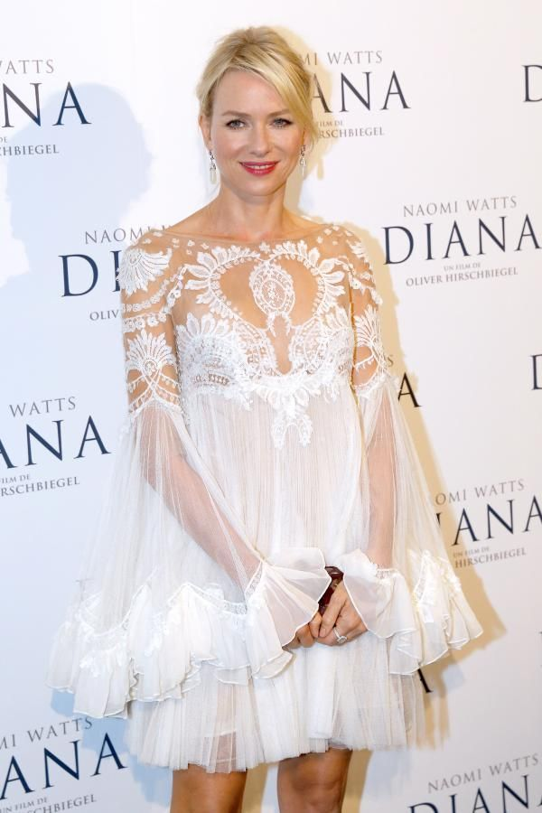 Naomi Watts to the French premiere of movie Diana - Modenese & Modenese