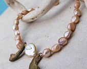 Necklace with pearls and rough gold agate