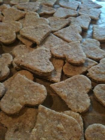 Dog biscuits with tuna