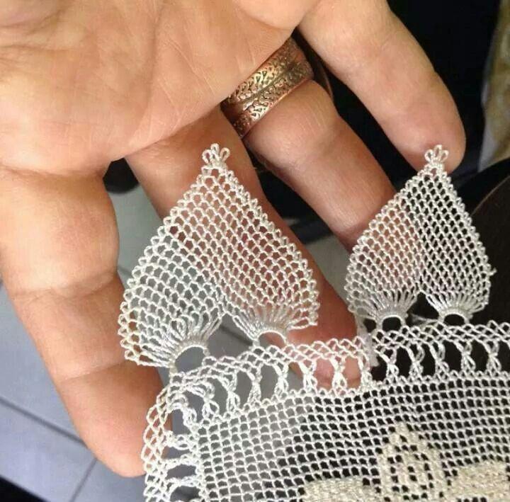 .Needle lace