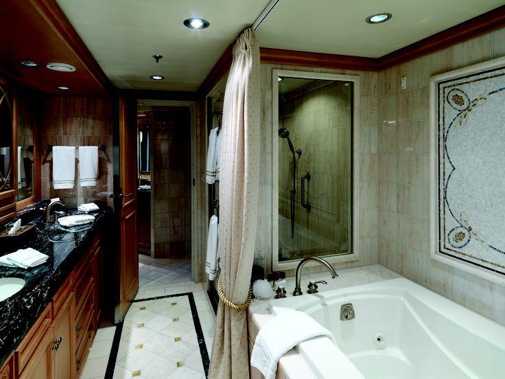 Cunard 39 s queen victoria grand duplex q1 suite blimey for Queen on balcony