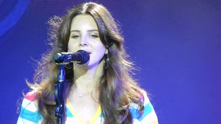 Lana Del Rey - Shades Of Cool [HD] Houston 5/7/15 She surprised me a lot in this performance 'cause I knew that Shades is a difficult song to perform live. She did it very well and in a natural way. #LDR #ShadesOfCool  #livemusic #videos