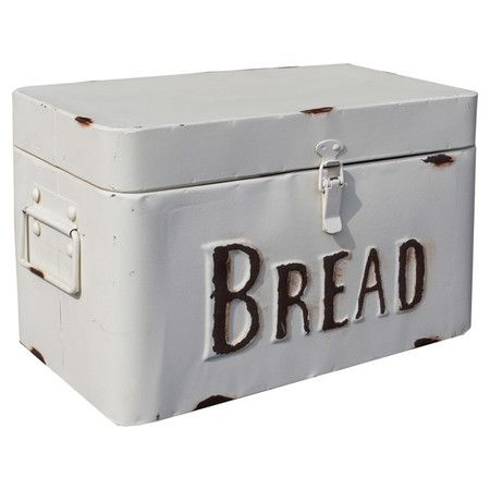 Keep Loaves And Buns Fresh On The Counter With This