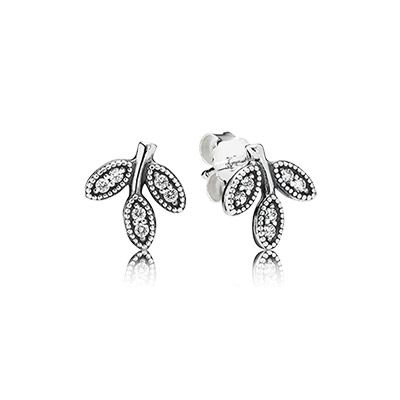 PANDORA leaf-shaped stud earrings are simple and elegant which make them appropriate for any occasion. They are a great and contemporary gift option for women of all ages. $55 #PANDORA #PANDORAearrings #PANDORAaw14