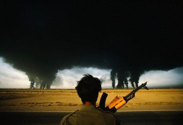 Oil fields burning during Iran-Iraq War