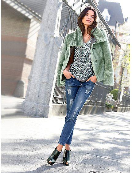 #Webpelzjacke #Paillettentop #Jeans #Stiefelette
