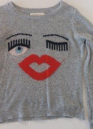 Kupuj mé předměty na #vinted http://www.vinted.cz/damske-obleceni/svetry/16286918-sedy-pleteny-svetr-s-oblicejem