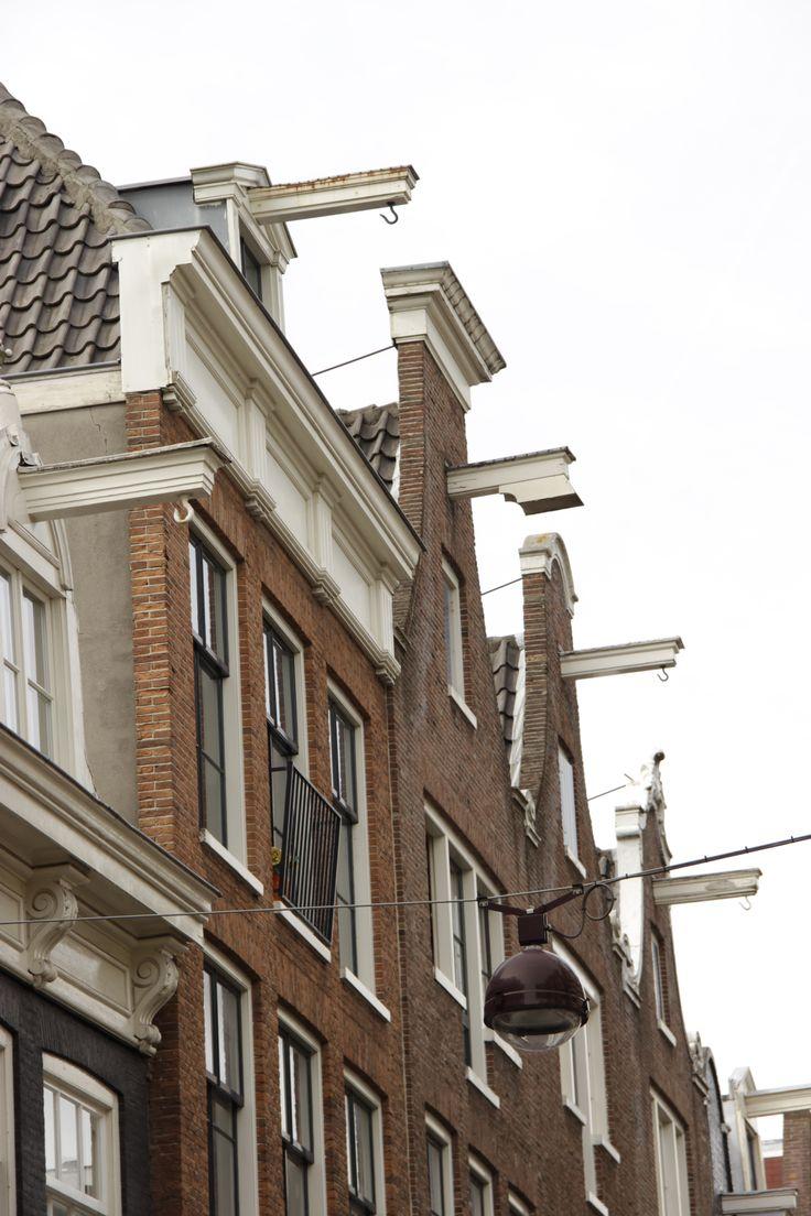 Amsterdam: bringing furniture through the windows!