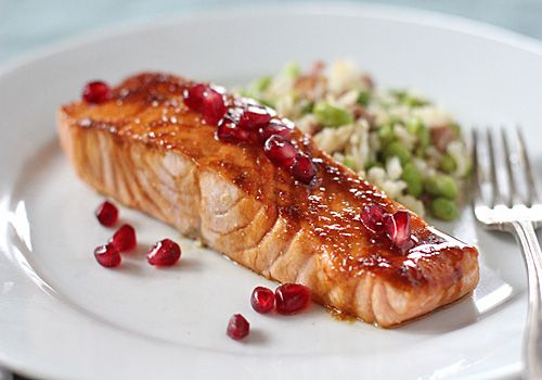 pomegranate-glazed salmon: Fish Seafood, Pomegranate Glazed, Healthy Food, Salmon Recipe, Pomegranates, Glazed Salmon