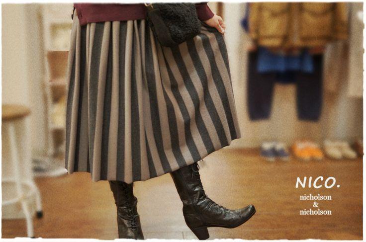 nicholson and nicholsonからワイドストライプのギャザースカートが届きました。