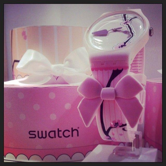 Swatch SUOZ173 DREAMCAKE by Sara Hochuli http://www.cdr95.it/orologi-swatch/suoz173-dreamcake