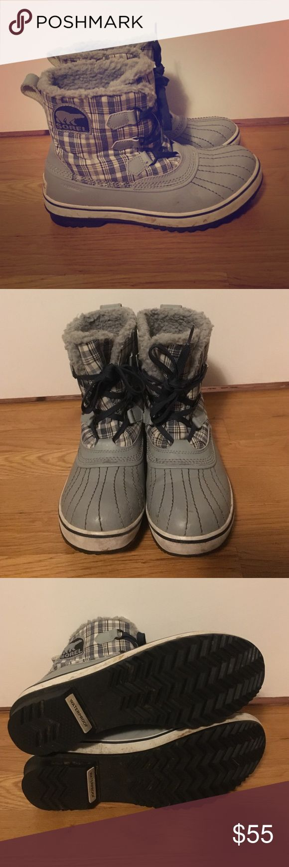 Sorel rain boots Comfortable and waterproof! The perfect boot for rainy hikes, stomping in puddles, and marching in the snow. These are lightly loved but have many more years left on them. Just a few dirt stains as shown in pics. Fits true to size. ☔️ SOREL Shoes Winter & Rain Boots