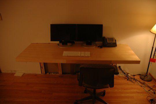 diy project make your own floating computer desk using. Black Bedroom Furniture Sets. Home Design Ideas