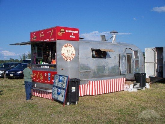 I like that the serving/order counter is at the end. Cool Food Truck/RV by TravelPod Member Scoonpooh