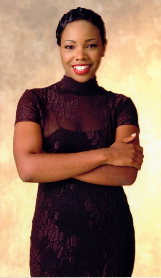 Kellie Shanygne Williams (born March 22, 1976) is an American actress. She is best known for her role as Laura Lee Winslow, the middle child of Carl and Harriette Winslow on the ABC/CBS television series Family Matters which ran from 1989–1998. Her middle name is pronounced Sha-neen