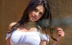 Denise milani в мини платье обои