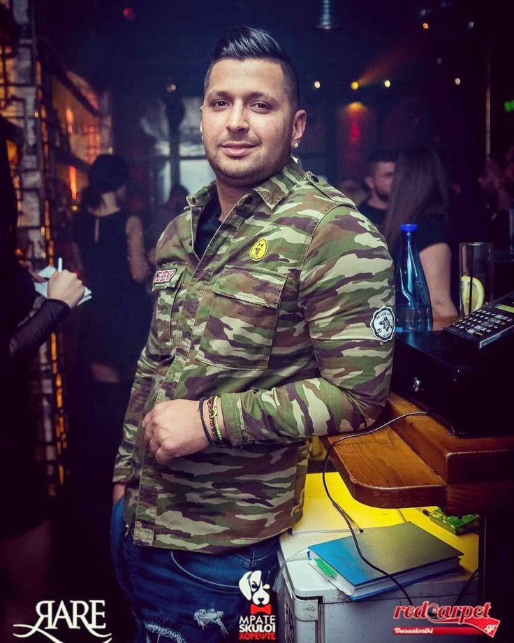 #valaoritou #street #streetstyle #mpateskuloi #xorepste #suterdaynight #party #partytime #partyon #club #clubbing #nightout #nightclub #havingfun #music #dj #decks #djdeck #night #light #fun #bar #bartender #drinkup #drink
