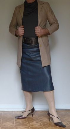 Just so! That long leather skirt and a nice jacket, gives any man a very nice and classy outfit. http://www.99wtf.net/category/young-style/casual-style/
